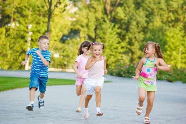 Ребенку необходимо бегать и прыгать