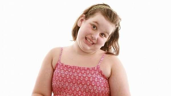 Девочка – подросток набирает жир