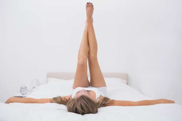 упражнения для зарядки в кровати