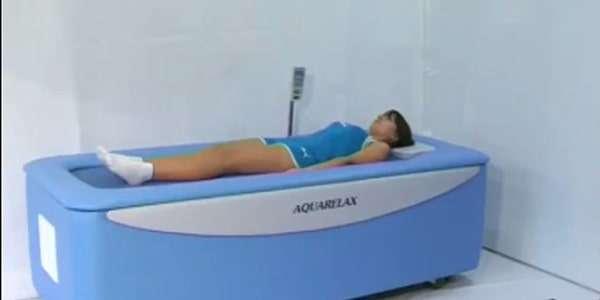 Сухой гидромассажв ванной-аквакапсуле