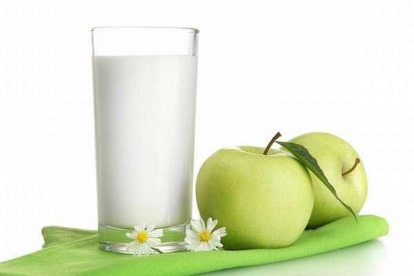 яблоко и кефир