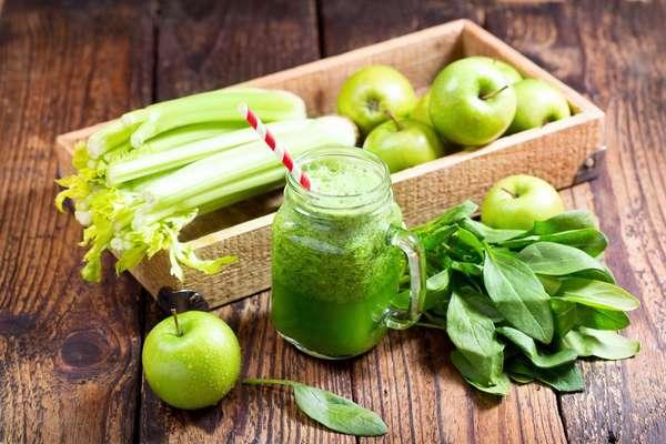 Сок из яблок со шпинатом