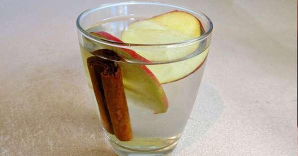 Детокс-коктейль с яблоком и корицей
