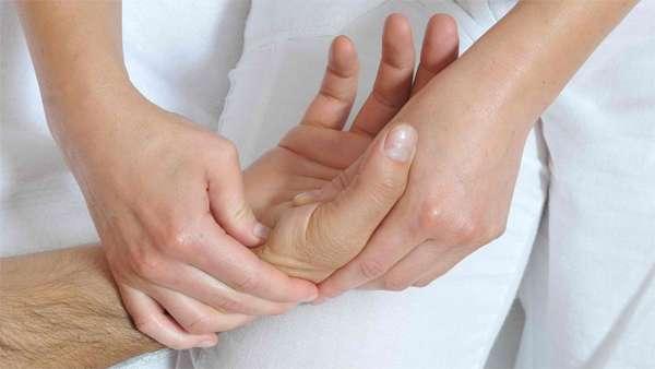 Проведение точечного массажа