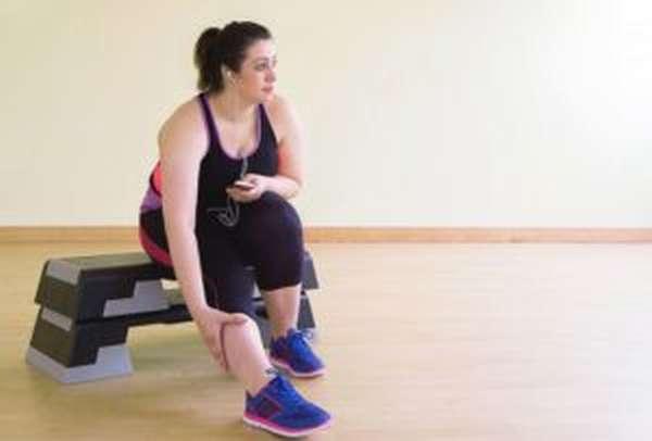 Базовая программа тренировок в тренажерном зале для похудения девушек