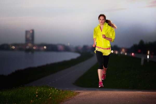 когда лучше бегать утром или вечером для похудения