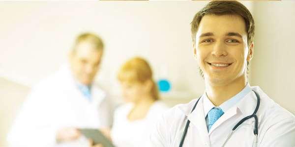 врач массажист