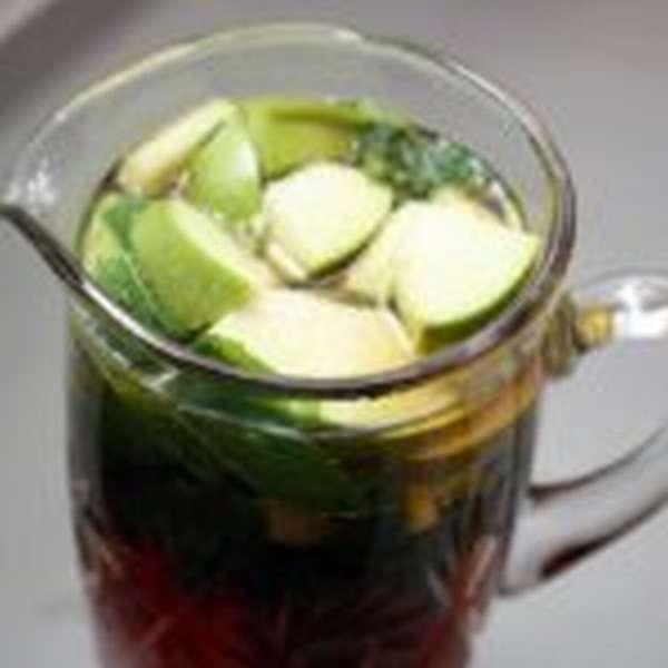 зеленый чай с яблоками
