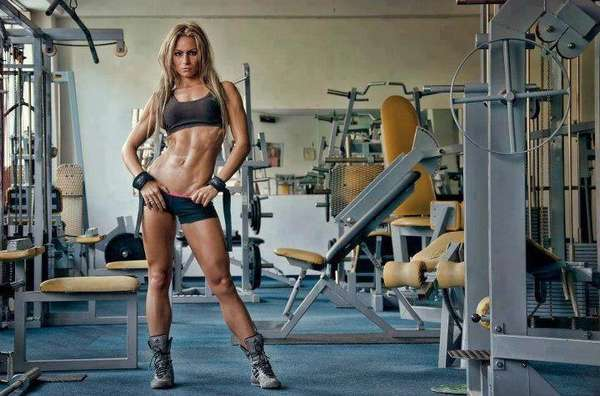 Занятия для женщин в спортзале