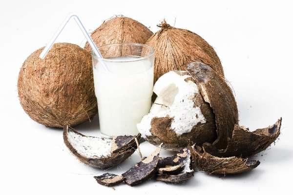 Кокосовые орехи и кокосовое молоко