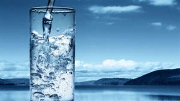 Должен быть выпитый стакан воды