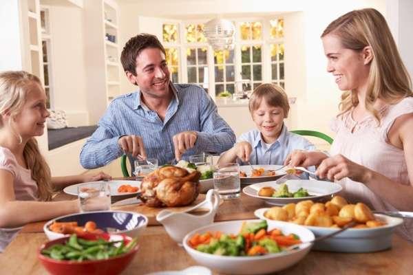 Поздний семейный ужин