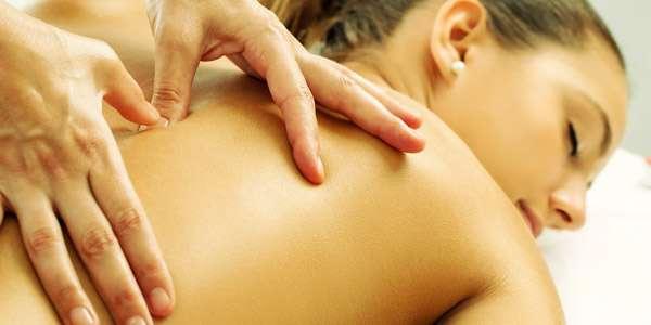 точечный массаж девушке
