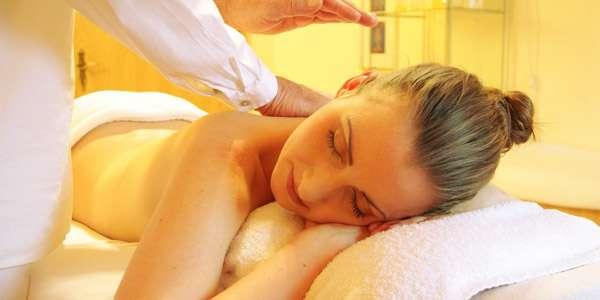 массаж при давлении женщине