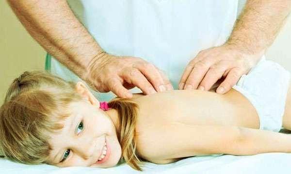 массаж спины девочке