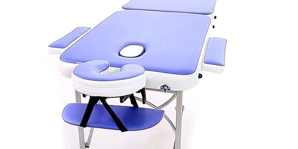 синий массажный стол
