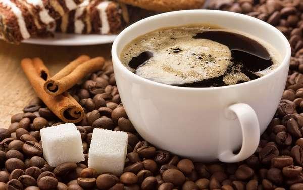 Кофе с сахаром употреблять до полудня