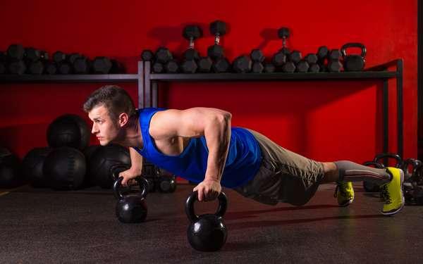 как правильно выполнять упражнения с гирей