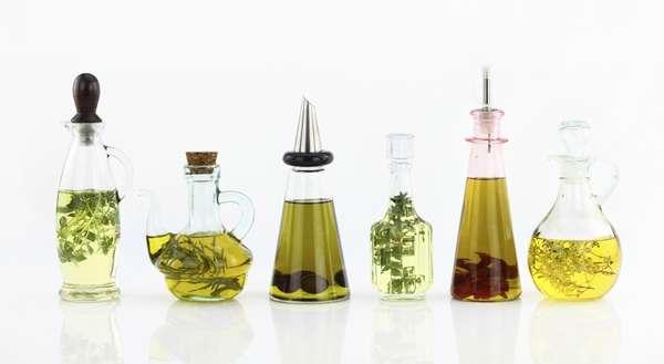 Лучше всего, чтобы масло хранилось в стеклянных бутылках