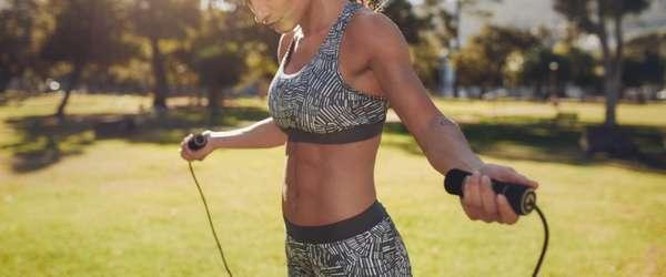 скакалка для похудения и одежда