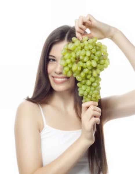Можно ли поправиться от винограда?