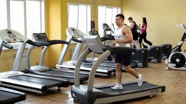 Упражнение на беговой дорожке
